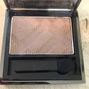 Burberry Makeup - Burberry Wet & Dry Silk Eyeshadow Rosewood